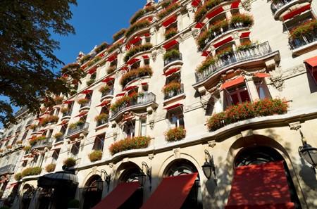 facade-hotelPlaza-Athénée
